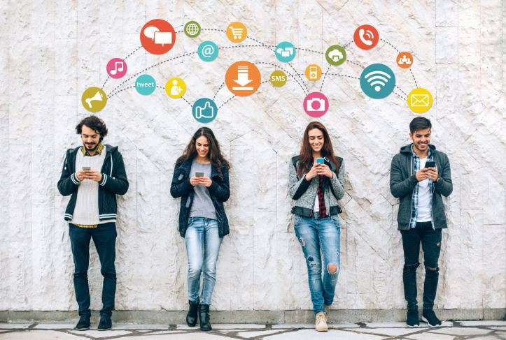 9 Reasons We All Need Social Media In Our Lives